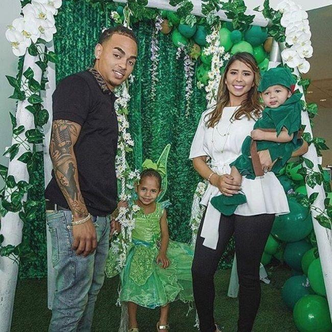 Taina Marie Melendez with family