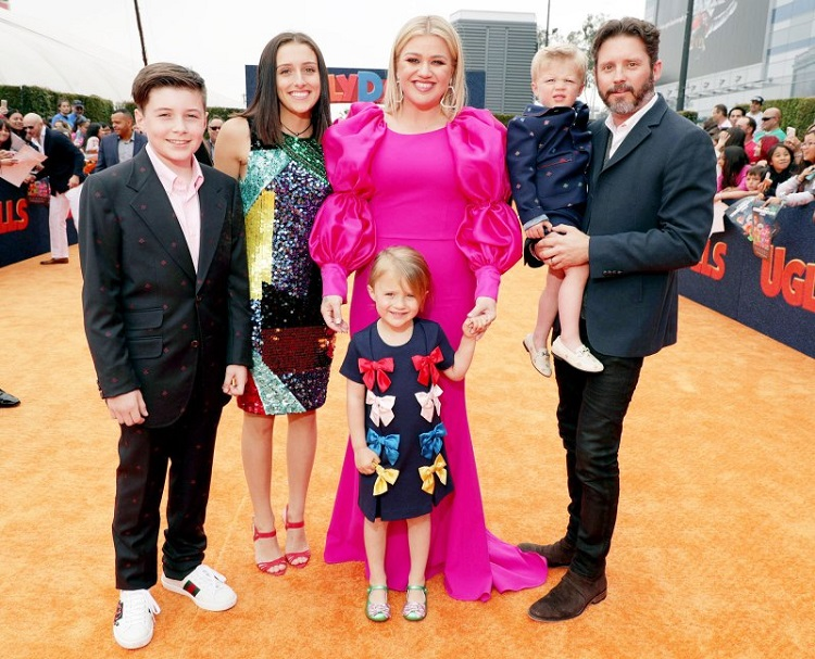 Brandon Blackstock with ex-wife Kelly Clarkson and the kids