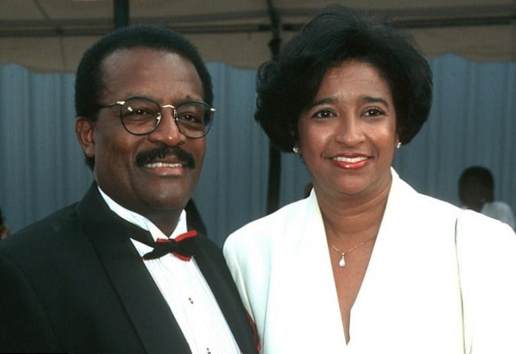 Johnnie Cochran with wife, Sylvia Dale