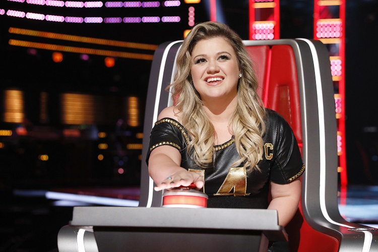 Kelly Clarkson at The Voice