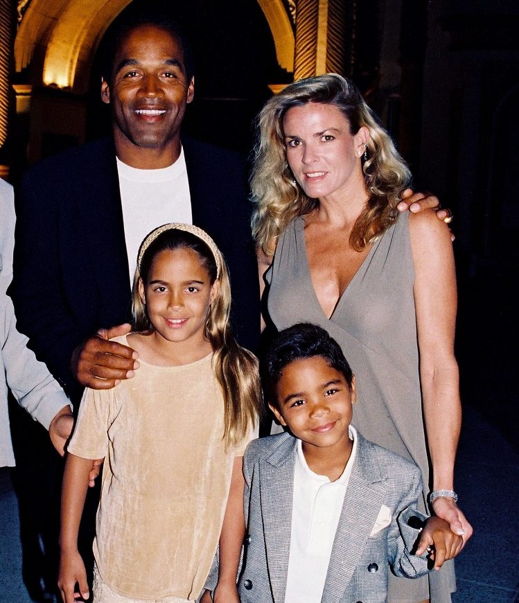 Nicole Brown Simpson with family