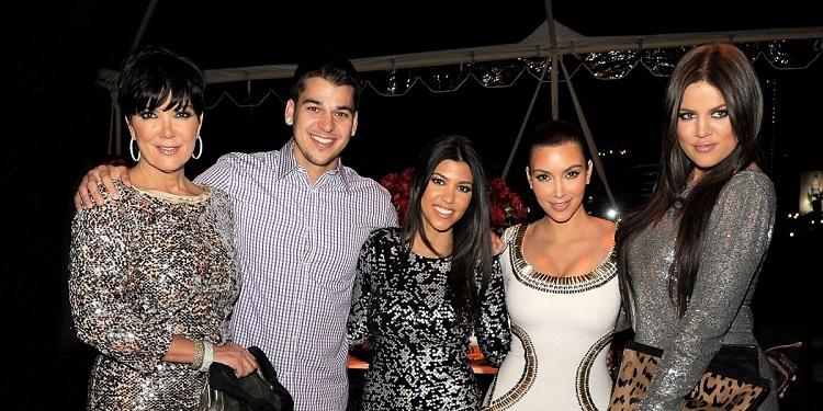 Rob kardashian with his family