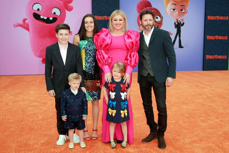 Kelly Clarkson and Brandon Blackstock with their children