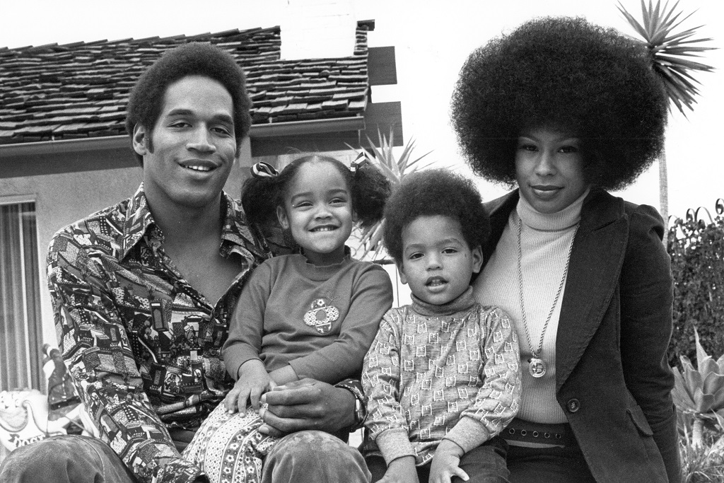 Aaren simpson with her family father OJ simpson