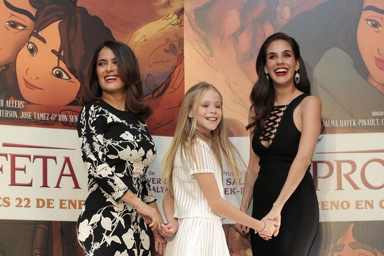 Loreto Peralta with Mexican actresses Salma Hayek and Sandra Echeverría
