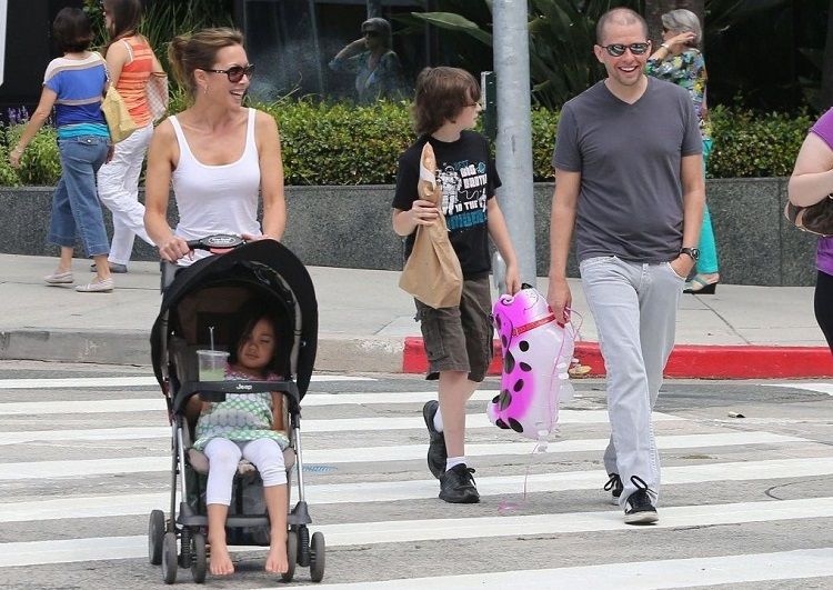 Daisy Cryer with famiy
