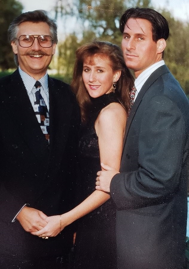 Ron Goldman with his father and sister