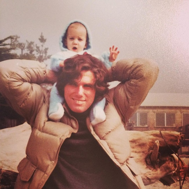 Chelsea Peretti with his dad