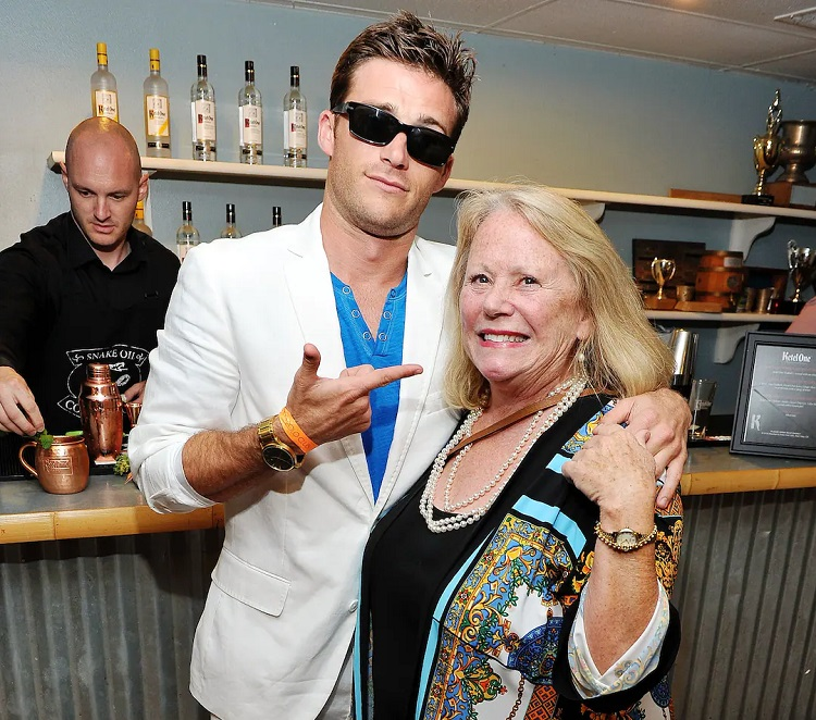 Jacelyn Reeves with son Scott Eastwood